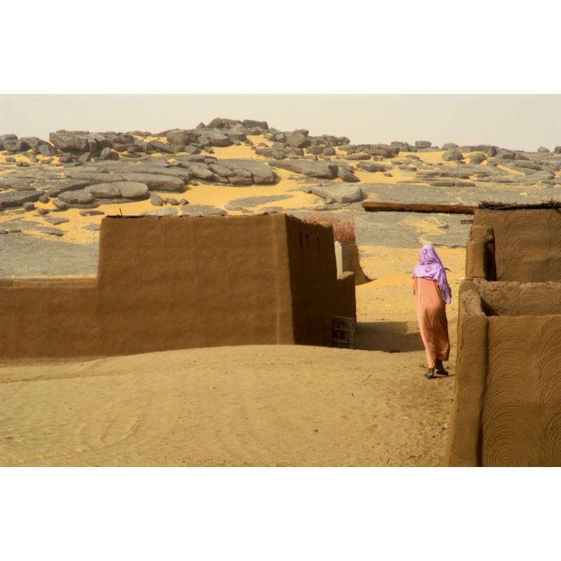 occhio_woman_desert_SESH-800x800.jpg